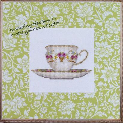Tasse à thé avec des fleurs